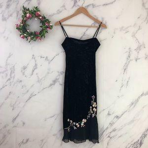 VTG Betsy Johnson Embroidered Velvet Slip Dress.